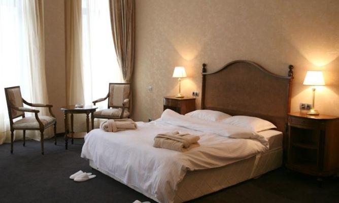 חדר מלון בוברובץ