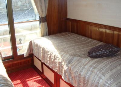 תא בסיפון העליון בספינה