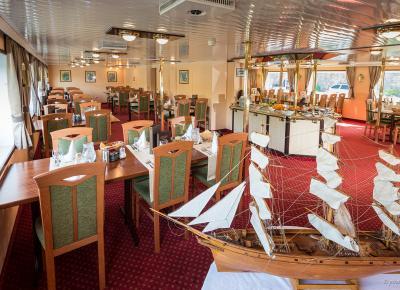 המסעדה ב-MS FLORENTINA