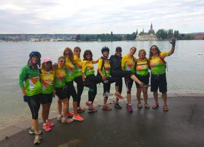 טיול אופניים לנשים על נהר הריין