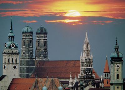 שקיעה על גגות מינכן