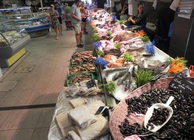 cycle_tour_libourne_food_market_3.jpg