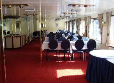 חדר האוכל על הספינה