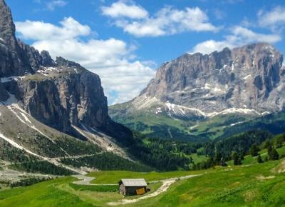 נופי הדולומיטים בצפון איטליה