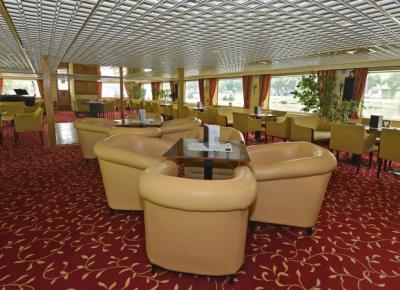 הסלון וחדר האוכל בספינה