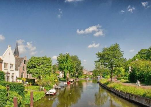 רכיבה לצד הנהר, הולנד הקלאסית