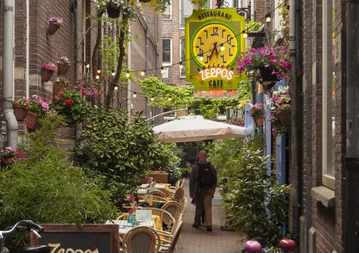 סמטה אופיינית באמסטרדם