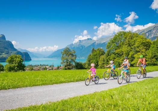 רכיבה משפחתית במרכז שוויץ