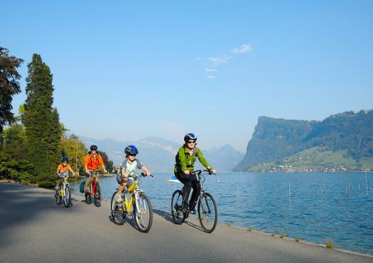 רכיבת אופניים עם כל המשפחה במרכז שוויץ