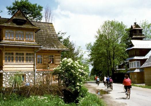 רכיבת כפרים בין הבתים, דונייץ' פולין