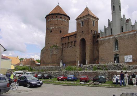 הטירה והכנסייה ברשל, מתוך הטיול