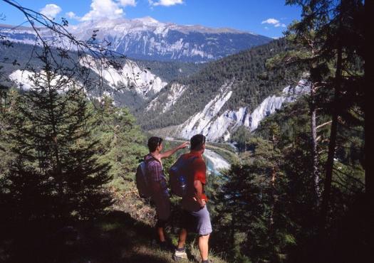 תצפית על רכסי ההרים השווייצרים