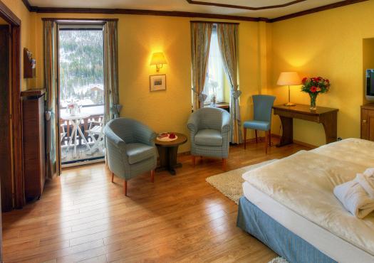 חדר אירוח במלון הבוטיק sunstar בעיירת הסקי סאס פה