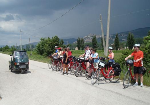 קבוצת רוכבים בדרך לרומא