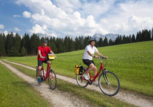 טיול אופניים באגמי מינכן גרמניה