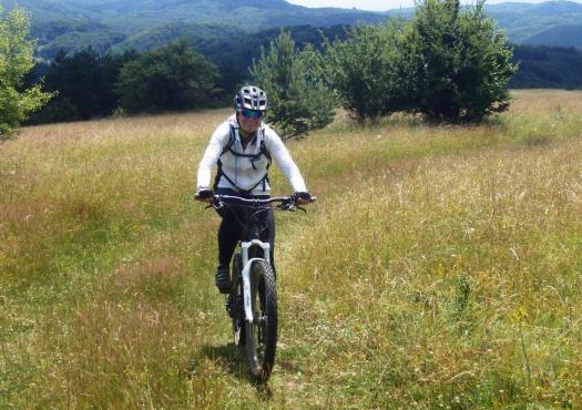 רוכבת שטח בבולגריה