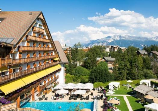 מלון de letrier באתר הסקי קראנס מונטנה