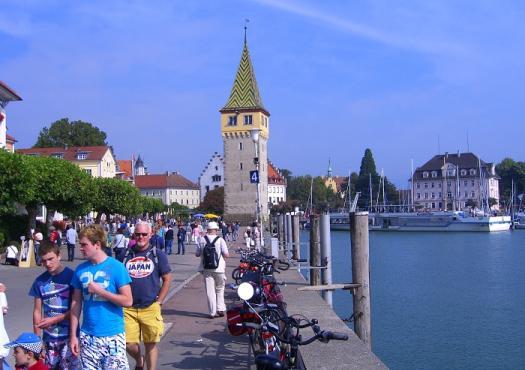 עיירות שוקקות סביב אגם קונסטנץ